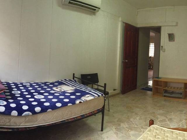 $350 1 male tenant needed at serangoon