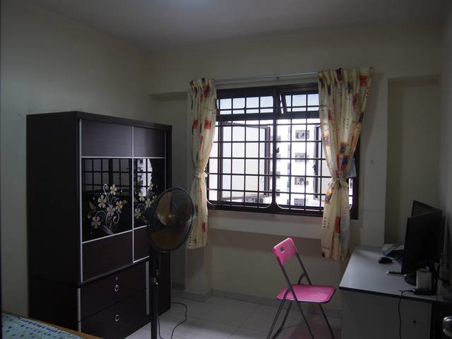Pioneer/Boon Lay MRT Blk608 Jurong west common room