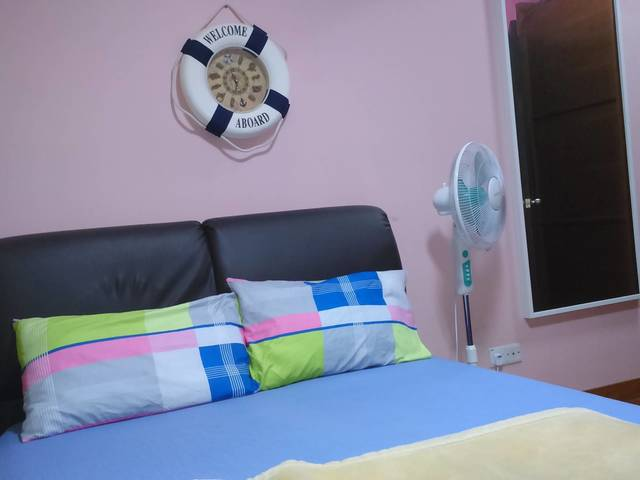 COMFORTABLY  FURNISHED SUITE-ROOM WITH ATTACHED BATHROOM