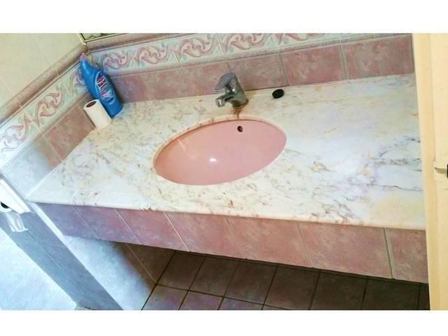 Spacious Bedroom w/Bathroom at Paya lebar MRT