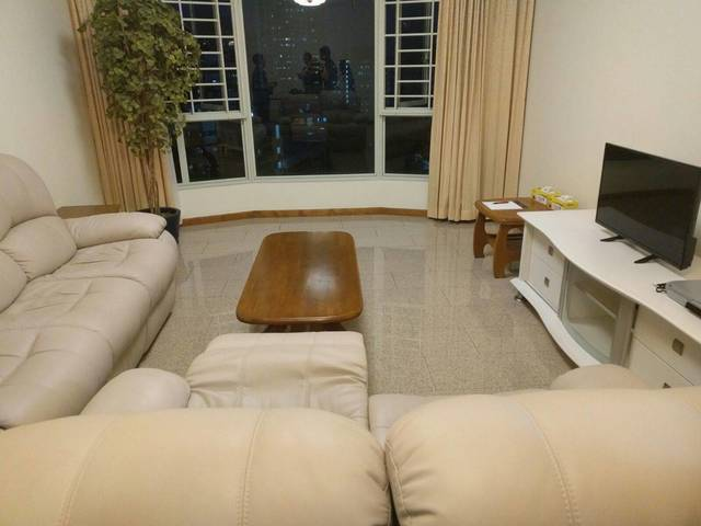 Spacious room for Rent - In heart of Singapore!
