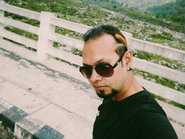 Amit Dogra  is looking for a room in Singapore