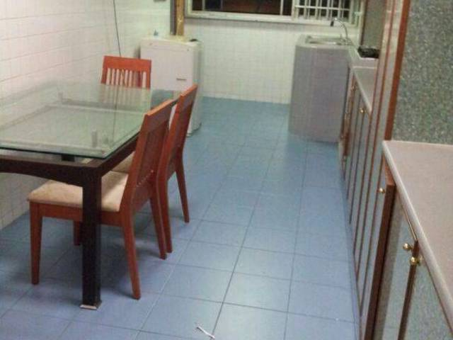 Spacious 4rm HDB unit for rent