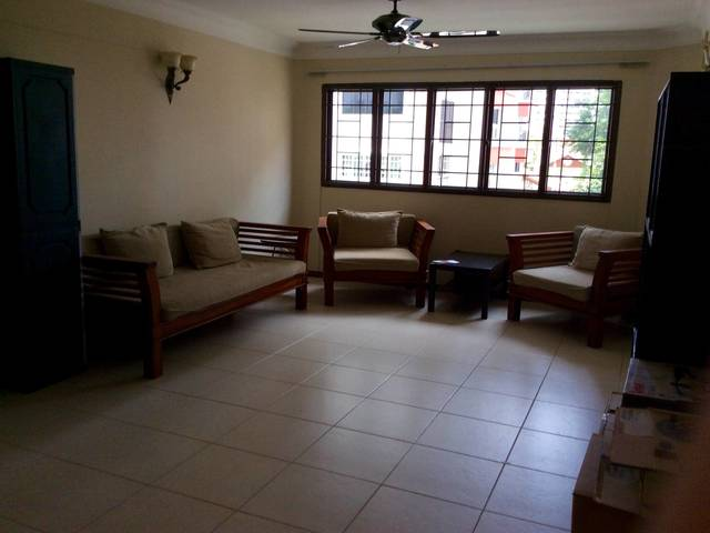 Common Room for Rent, near MRT (Chinese Garden 5 Minutes Walk).Shared or Whole Room available.