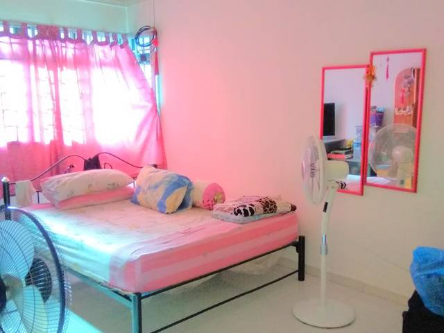 Master Room Near Boon Lay MRT/NTU/Pioneer MRT for Rent