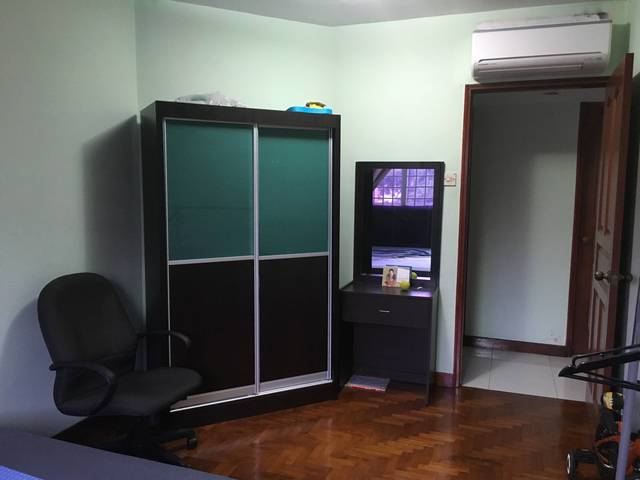 Spacious common room for rent @Melville