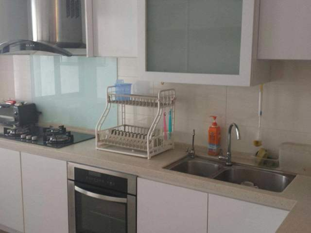 Terrace house near MRT for rent