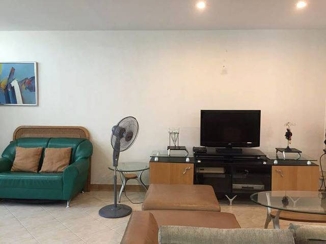 No Owner, No Agent Fee: Looking for a roomate to share a spacious Common room
