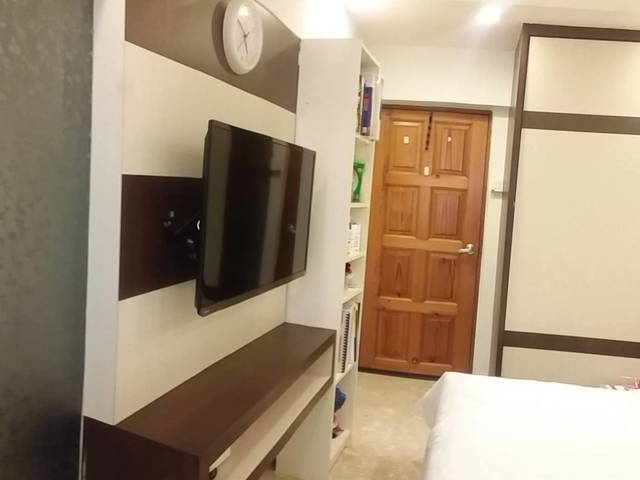Cosy Master Bedroom with attached bathroom @Telok Blangah for Filipino Tenant