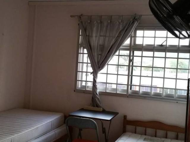 2 X common rooms near Woodlands MRT for rent