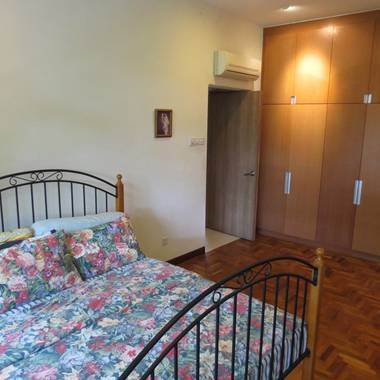 (D21) Master Bedroom near King Albert Park MRT
