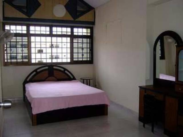 NO AGT FEE 3+1, 714 WOODLANDS Drive 70, 5min ADMIRALTY MRT, Avail 18 Oct