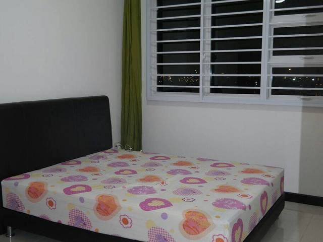 NEW HDB FLAT ROOM FOR RENT AT PUNGGOL NEAR TO WATERWAYPOINT