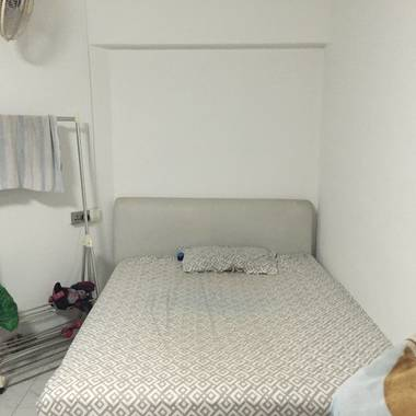 Executive common room for rent in yishun. Bachelors flat, full freedom & cooking allowed.