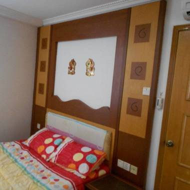 Near Aljunied MRT Mansionette quiet master bed room