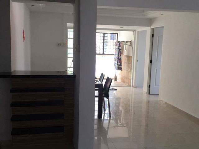 Common room for rent near TTSH, Mt. Elizabeth hospital, Ibis hotel