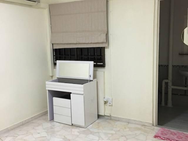 Master bedroom @opposite Yishun mrt