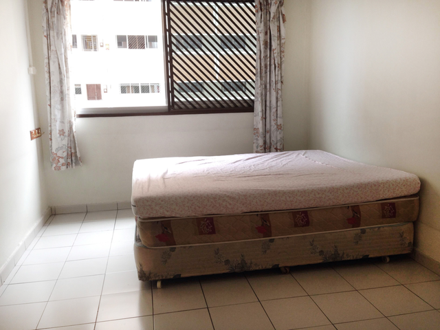 Common Room @ Blk 870 Tampines St 83 (Air con, No Agent Fee, No Landlord) for Rent