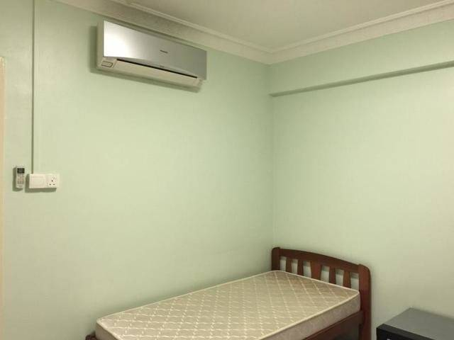 Tampines Common Room For Rent (Near MRT)
