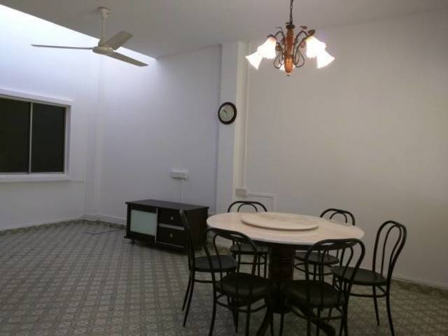 Landed house - room for rent (UPPER THOMSON)