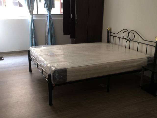 Jurong West rooms for rent
