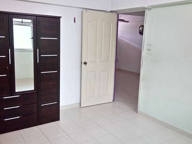 Whole flat for rental.