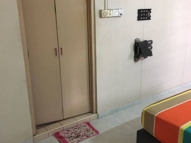 Jurong West St 61 Master Bedroom for Rent