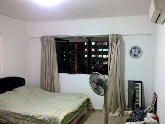 Executive Maisonette Common Room for Rent in Yishun Street 22.