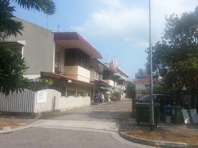 Room Share behind Katong Shopping Centre