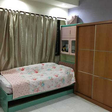 Cozy bedroom for rent in 283