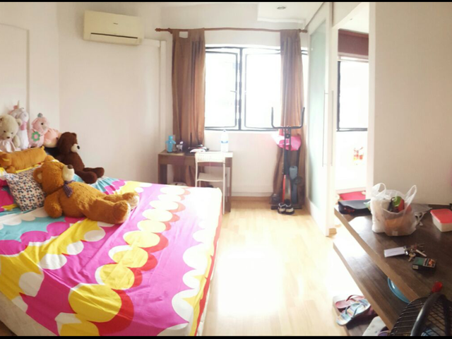 BIG MASTER ROOM FOR RENT @ 130 Tampines St 11 Tampines Court