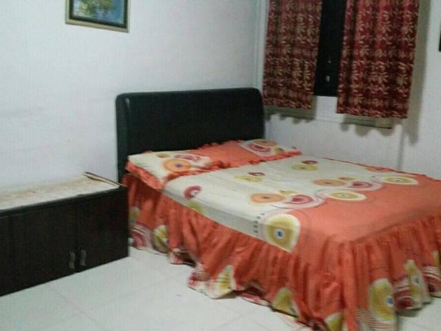 Master bedroom @ 900