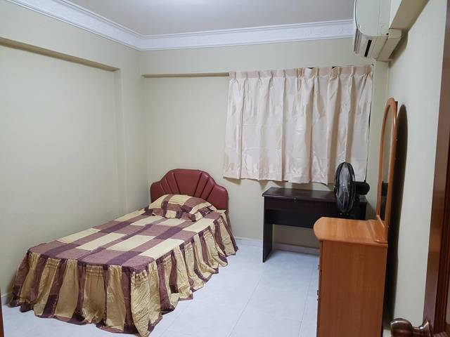 Room for Single Male In Hougang Avenue 4