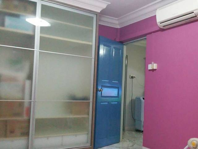TANAH MERAH MRT COMMON ROOM FOR RENT