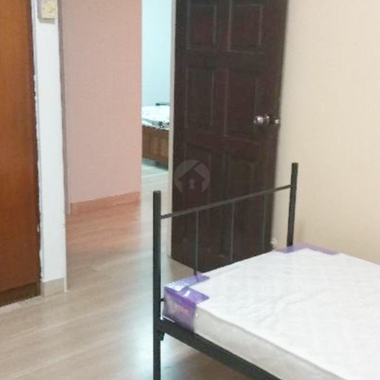 Quiet clean common room near SimeI MRT (ladies only)