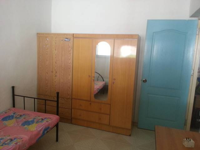 common room for rent - near mrt (can move in anytime)