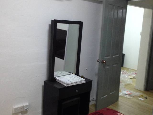 Jurong east 4-room HDB new renovated for rent
