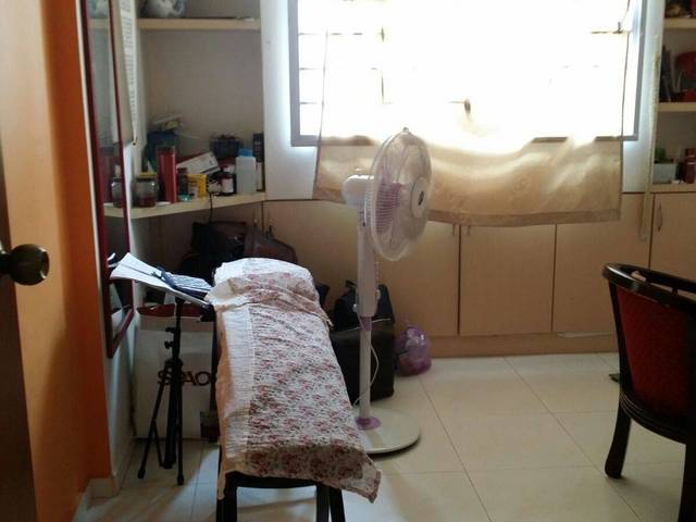 Room for Rent; Female Living Environment; Near to 24hrs Food court & Supermart