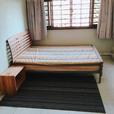 2 min walk Toa payoh Mrt, big common room