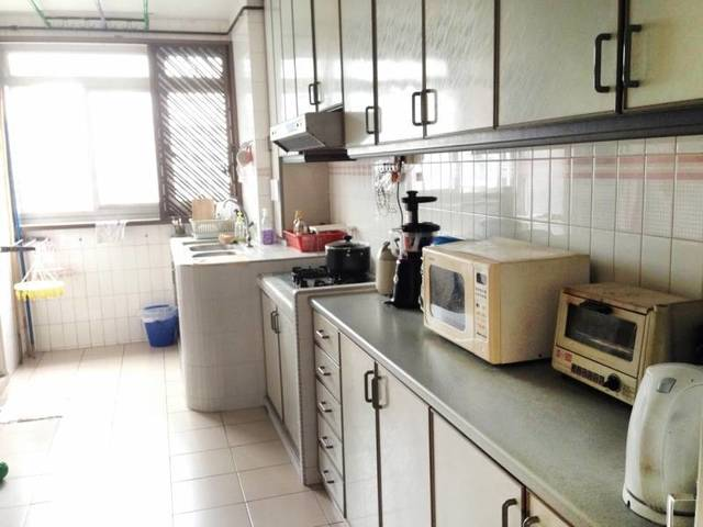 One Common Room @ Blk870  (5 room) July 1st No Owner No Agent fee
