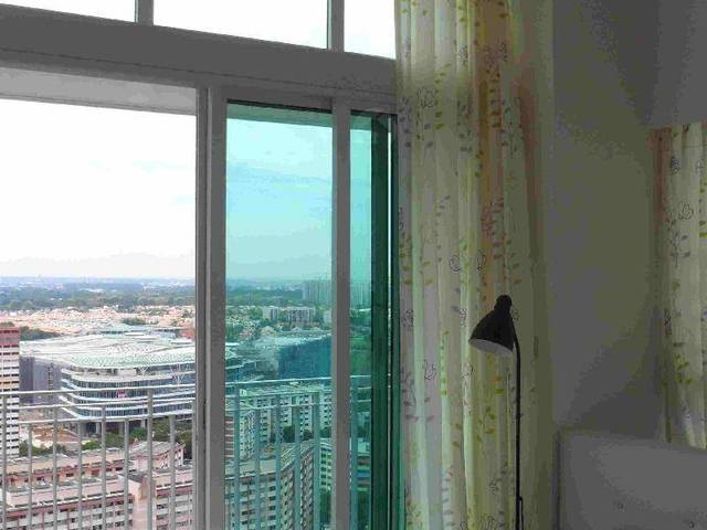 Ang mo kio high floor common room with balcony