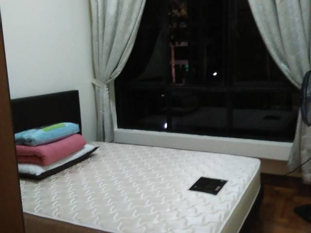 4NG CORNER CLEMENTI CENTRAL MRT ,MALL FOR RENT
