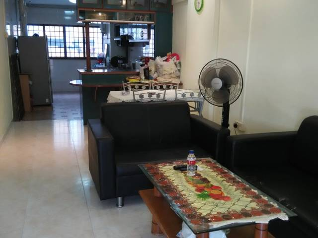 MASTER ROOM  320 ... ANG MO KIO NEAR CENTRAL FOR RENT