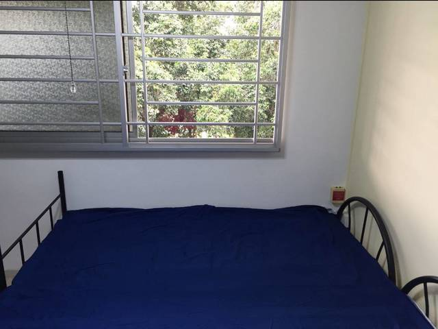 Near Tampines MRT - New Aircon - big common room