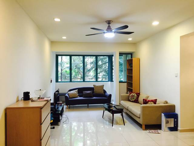 2 common rooms available at West Coast Crescent