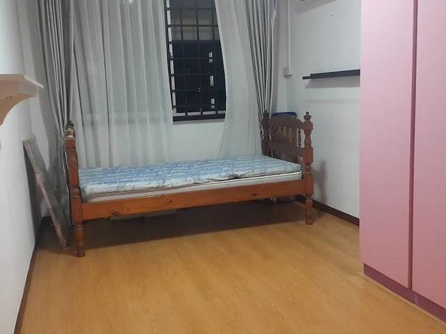 spacious windy common room right next to bishan park