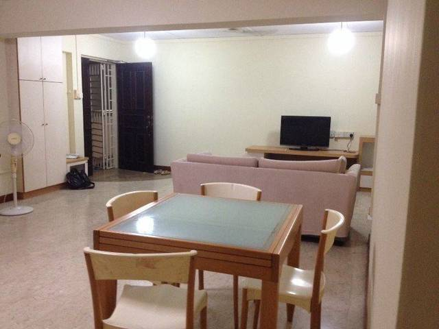 Very nice spacious house staying with indian Family - move in date January 1'st 2016