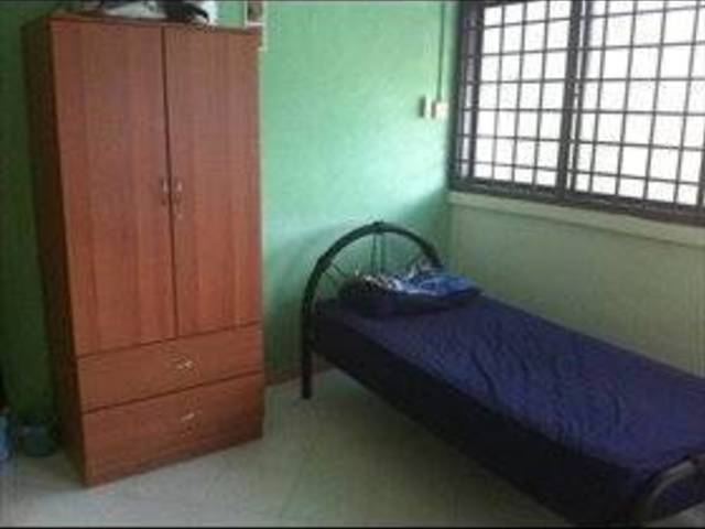 Nice and cozy room available!