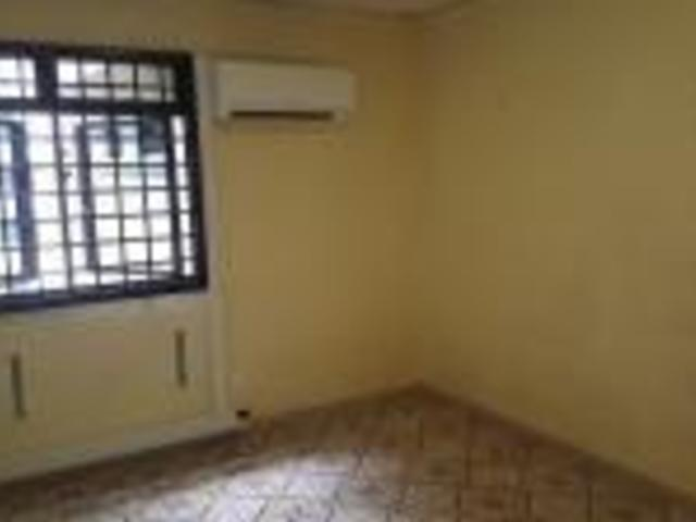 Clean & Quiet Room in Boon Lay Place