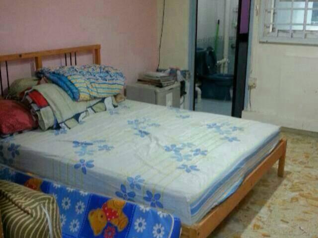 Yishun master room for rent